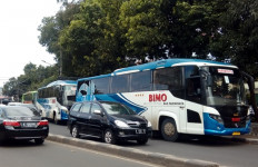 Puluhan Bus Massa Aksi 212 Merapat ke Markas FPI - JPNN.com