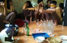 Asyik Pesta Miras, 15 Pelajar di Bengkulu Digaruk Aparat - JPNN.com