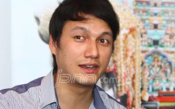 Untuk Soal ini, Titi Bilang sih Christian Sugiono gak Jago - JPNN.com