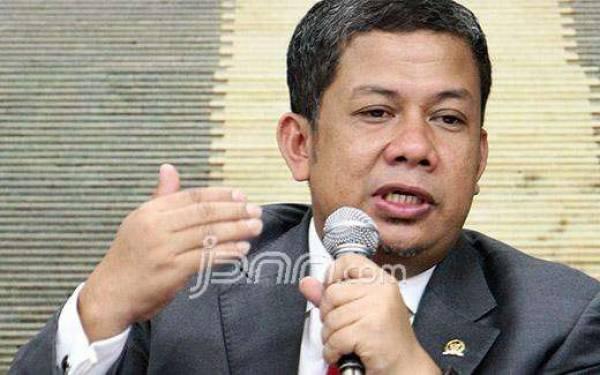 Fahri Hamzah Kagum dengan Semangat Gotong Royong - JPNN.com