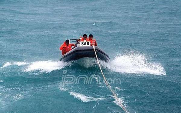 Dihantam Ombak Tiga Meter, Dua Kapal Nelayan Tenggelam - JPNN.com