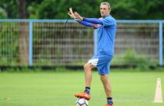 Pelatih Arema Tebar Psywar - JPNN.com