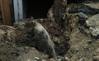 Sedang Garap Sungai Malah Temukan Roket, Untung Nggak Meledak - JPNN.com