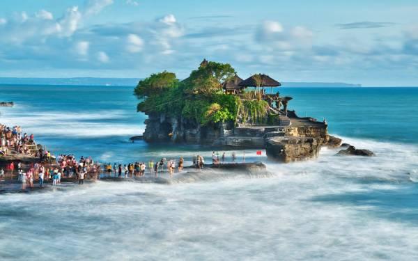 Kuta, Sanur, Ubud, Nusa Dua Bikin Heboh Bali di Tahun Baru 2017 - JPNN.com