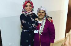 Lindsay Lohan, Antara Kenakan Hijab dan Pelajari Alquran - JPNN.com