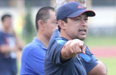 Aji Santoso Digadang-gadang Jadi Pelatih Arema - JPNN.com