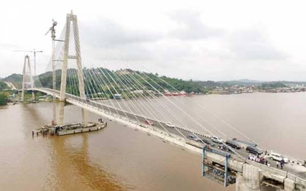 Buset! Jembatan Belum Diresmikan, Ratusan Baut Dicuri Warga - JPNN.com