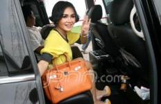 Malam Pergantian Tahun, Yuni Shara Pengin Beribadah - JPNN.com