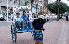 Penarik Rickshaw Gila Foto - JPNN.com