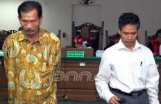 DL Sitorus Anggap Surat Dakwaan Salah Alamat - JPNN.com