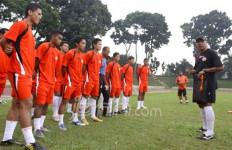Wajibkan Upacara di Stadion - JPNN.com
