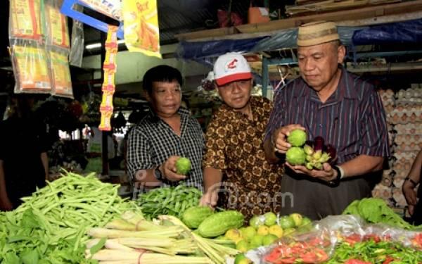 Kata Menteri Stabil, Rakyat Masih Menjerit - JPNN.com