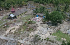 Yakin Masih Ada Tsunami saat Malam, Pilih Tidur di Hutan - JPNN.com