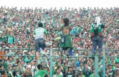 Rujuk, Buang Nyanyian Rasis - JPNN.com