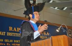 Hermawan Raih Doktor Honoris Causa dari ITS - JPNN.com