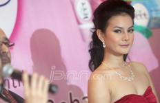Astrid Tiar, Bulu Bikin Tak Pede - JPNN.com