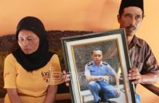 Harap-Harap Cemas Keluarga ABK Sinar Kudus yang Disandera Perompak Somalia - JPNN.com