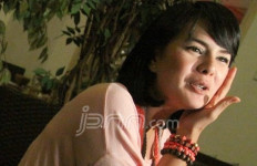 Astrid Tiar, Beban Buat Penonton Tertawa - JPNN.com