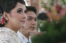 Andhara Tetap Tegang di Pernikahan Ketiga - JPNN.com