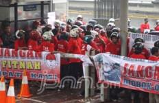 Bela Bupati Kubar, Gelar Demo di KPK - JPNN.com