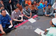 Telat Temui Warga Pulau Padang, Komisi III Minta Maaf - JPNN.com