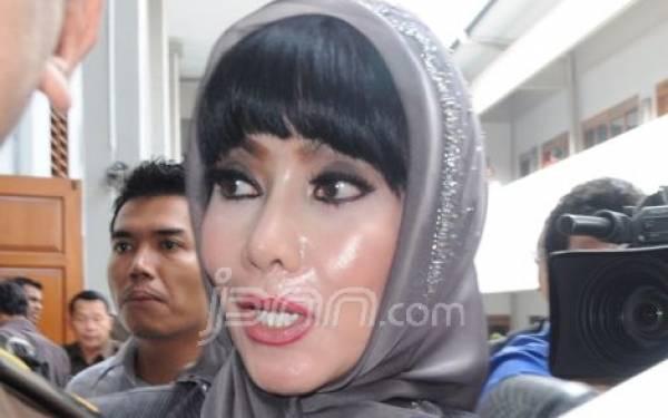 Malinda-Andhika Tetap Mesra di Tengah Jeratan Kasus - JPNN.com