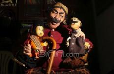 Pak Raden, Ngamen untuk Perjuangkan Hak Cipta Karya - JPNN.com