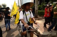 Dukung Gedung Baru KPK, 9 Mahasiswa Jember Bersepeda ke Jakarta - JPNN.com