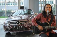Mercedez Benz Batik, Piyu Rogoh Kocek Rp1,5 M - JPNN.com