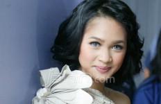 20 Diva untuk Kanker Payudara - JPNN.com