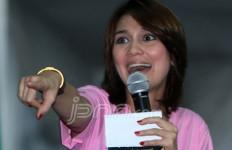 Luna Maya Raih Award Bareng Ariel - JPNN.com