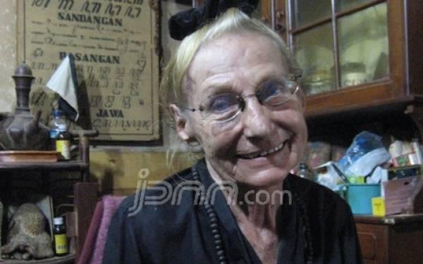 Horvath Pilz Eva Gertraud, Mantan Aktris Austria Dalami Budaya Jawa di Surakarta - JPNN.com