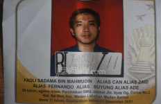 Fadli Sadama Kabur ke Malaysia Gunakan Perahu Nelayan - JPNN.com