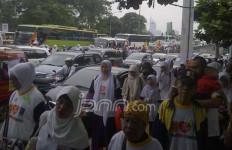 Ratusan Ribu Kader PKS Mulai Putihkan GBK - JPNN.com