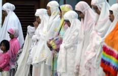Ibu Ini Melahirkan saat Hendak Salat Id di Islamic Center - JPNN.com
