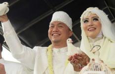 Nuri Maulida Menikah, Serba Putih, Diwarnai Suasana Haru - JPNN.com