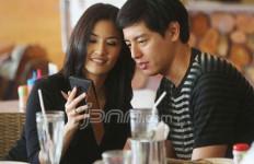 Cerita Kedekatan Asty Ananta dengan Roger Danuarta - JPNN.com