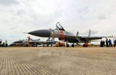 Hayo...Pesawat Tempur Sukhoi SU-35 atau F-16? - JPNN.com