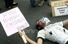 KASIHAN: Korban Asap Ini Tak Berdaya, Lihat Saja Ini - JPNN.com