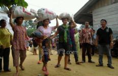 Ribuan Warga Mengungsi ke Tapanuli - JPNN.com