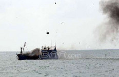 Tiga Kapal Asing Pencuri Ikan Dilibas - JPNN.com