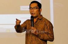 Wali Kota Bandung Terancam Digugat Gara-gara Mutasi Guru PNS yang Kritis - JPNN.com