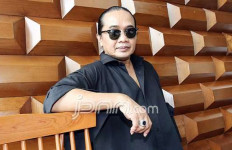 Tiga Dokter Nyatakan Innalillahi, Deddy Dhukun Masih Hidup Berkat Terapi Ini - JPNN.com