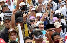 Forum Honorer Minta Pejabat Jangan Asal Ngomong - JPNN.com