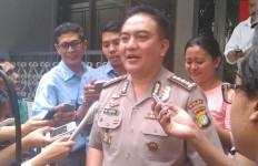 Bentrok Kelompok Ambon, Polisi Sita Tiga Golok Dua Parang - JPNN.com