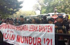 Demo Kemenhub, Warga Pertanyakan Realisasi Bandara Lebak - JPNN.com