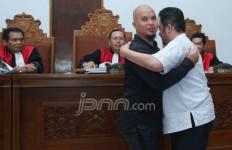Ahmad Dhani-Farhat Abbas Sudah Berpelukan, Eh Ternyata - JPNN.com