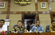 Mosi Tak Percaya, Anggota DPR Lintas Fraksi Desak Novanto Mundur - JPNN.com