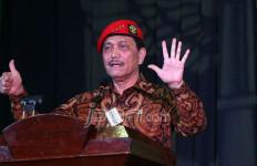 Bicara Penyerbuan Tentara ke Dili, Menkopolhukam Luhut Terharu - JPNN.com