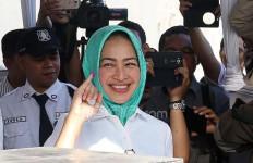 Sambil Senyum Manis, Airin Bilang Begini - JPNN.com